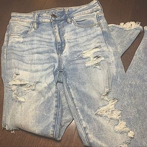 AMERICAN EAGLE RIPPED DENIM JEANS LIGHT BLUE HIGH RISE CROP JEGGING SIZE 4